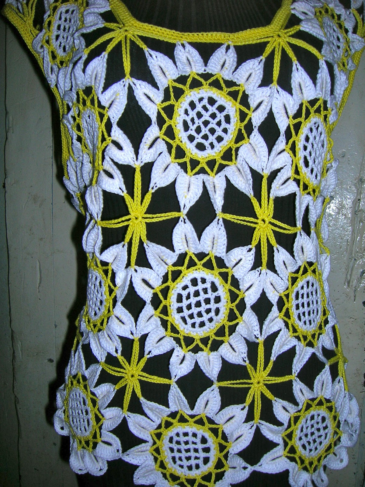 BLUSA DE GIRASOLES A CROCHET PASO A PASO   Patrones Crochet ...