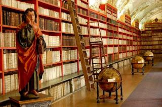 Strahov Monastery Library, Prague, statue