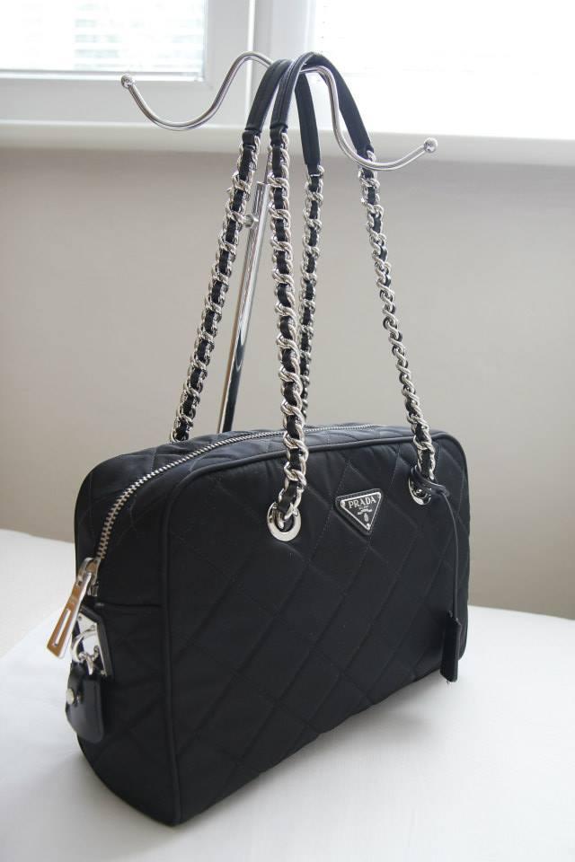 prada tessuto & saffiano messenger bag