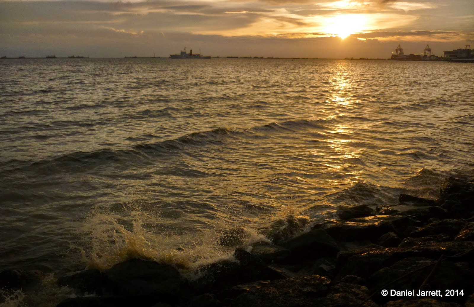 Waves Manila Bay
