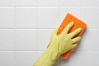 aceto per la pulizia del bagno