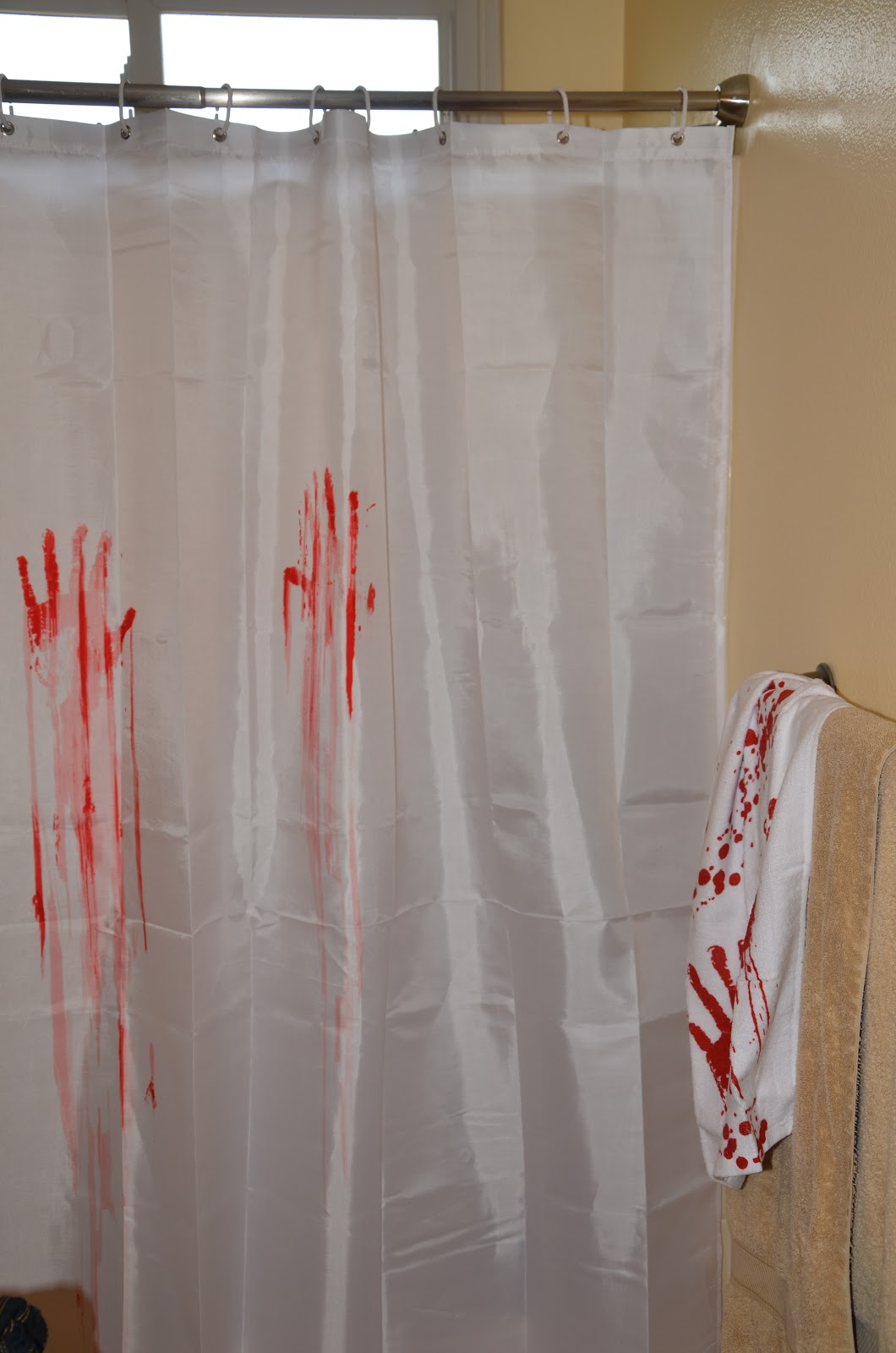 Hobo ninja review and give away for Psycho shower curtain and bath mat