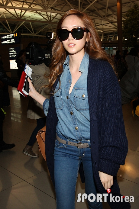 SNSD Airport Fashion - Jessica