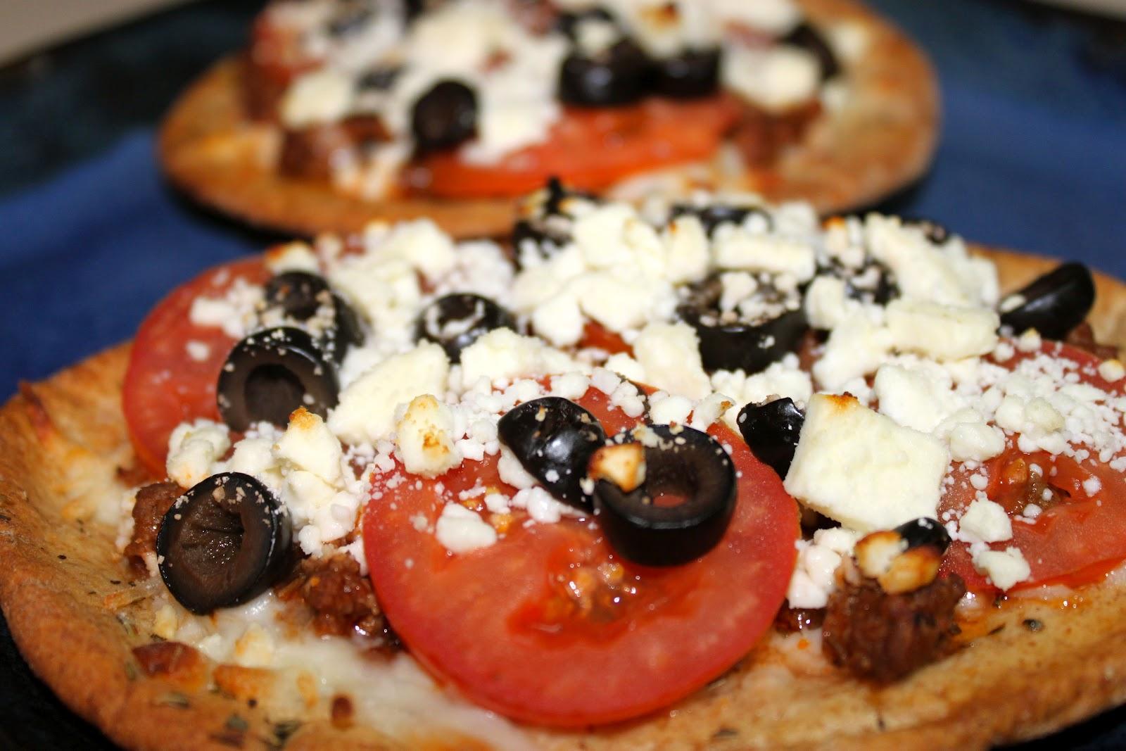 The Gabe Fix: Greek Pita Pizzas