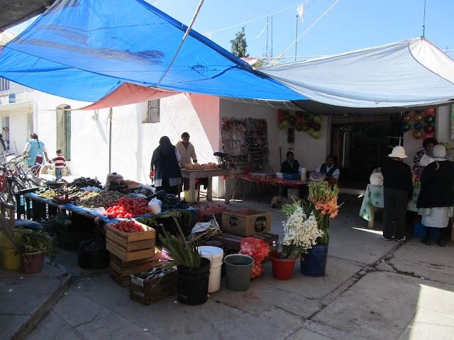 Protestan tianguistas de Mixquitla
