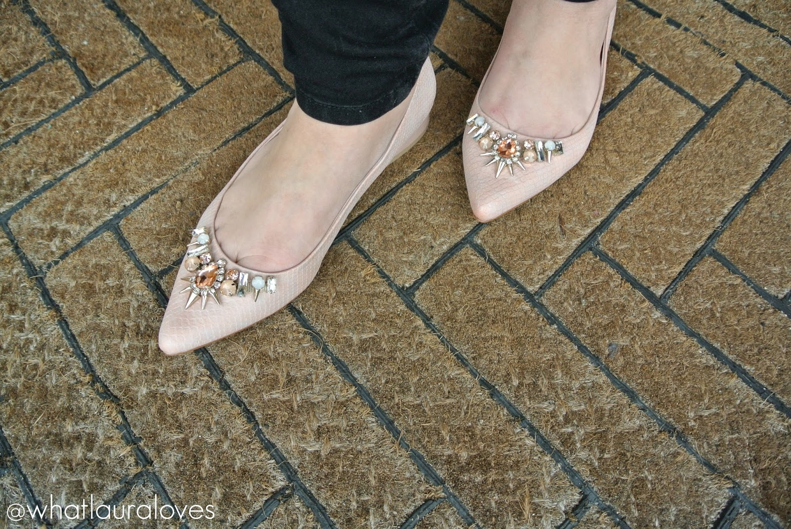 Faith Garden Embellished Pointed Shoes