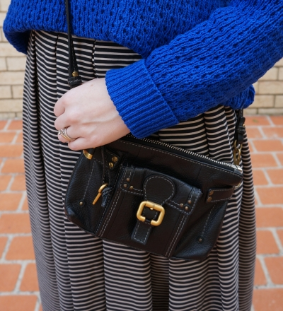 Chloe paddington cross body bag black with gold hardware chunky knit and maxi skirt