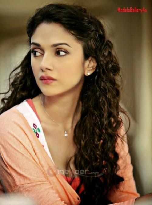 Aditi Rao Hydari  Super Hot Picture