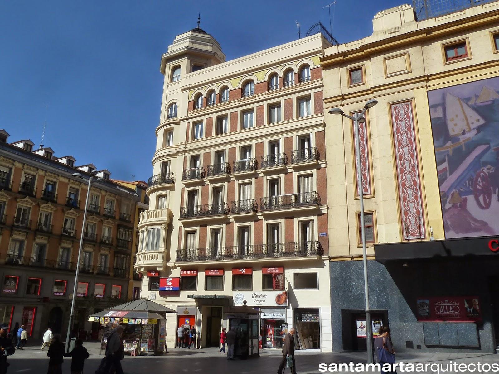 Fachada del edificio a la Plaza del Callao, después de las obras de rehabilitación