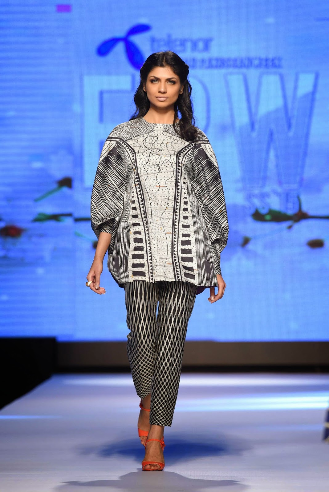 geometric printed pants by sania maskatiya TFPW15