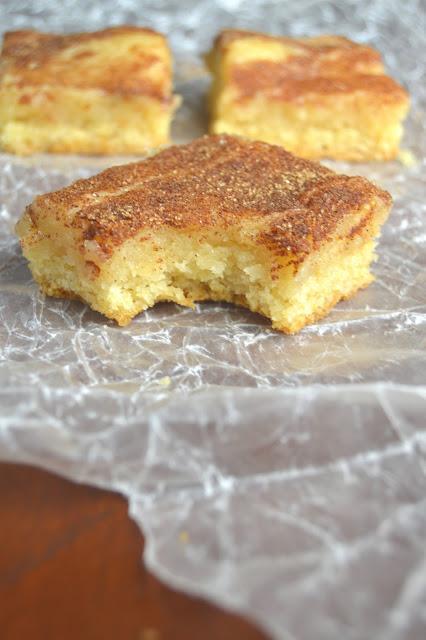 Featured Recipe | Gooey Cinnamon Squares from A Taste of Madness #SecretRecipeClub #recipe #cinnamon #bars #dessert