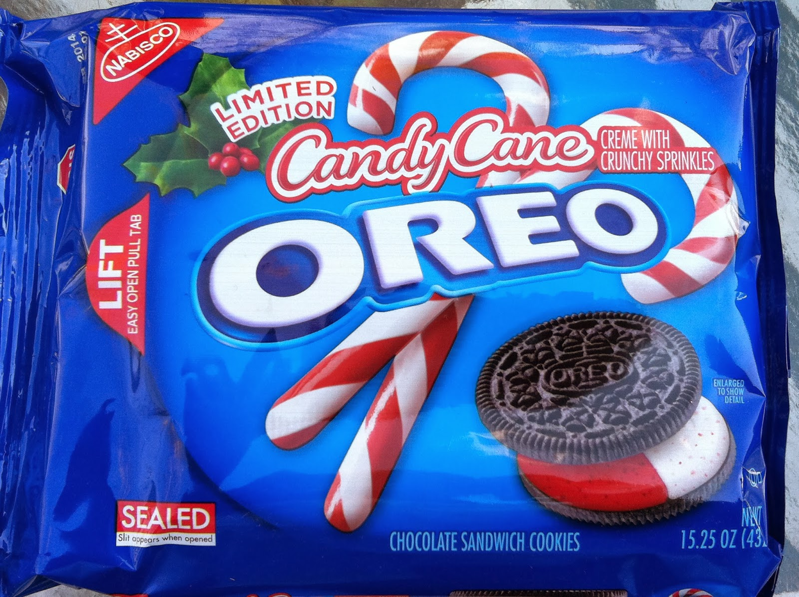 The Holidaze: Candy Cane Oreo Cookies