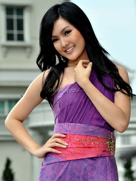 Photo Astrid Ellena Pemenang Miss Indonesia 2011