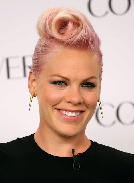 Pink American singer pcture