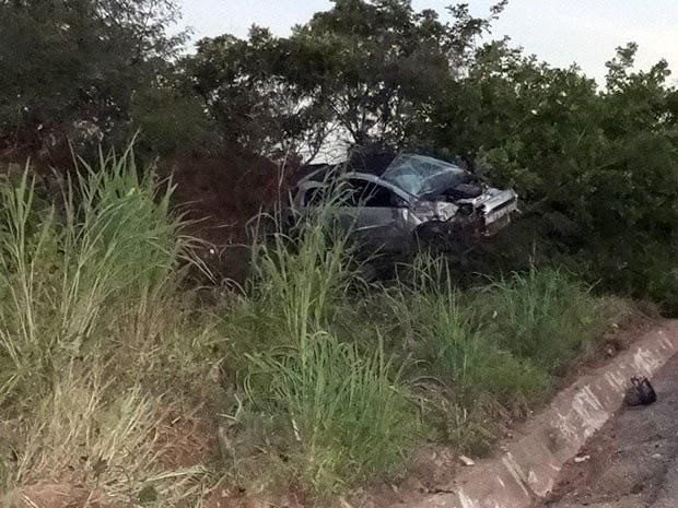 Condutor estava sozinho no carro; ele foi detido e conduzido à delegacia da região (Foto: Jadiel Luiz/Blog do Sigi Vilares)
