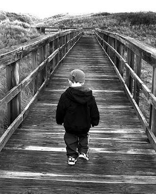 Andai pelo caminho estreito, espaçoso o caminho que leva à perdição.