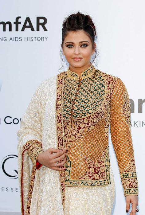 aishwarya rai at cannes film festival 2012 photo gallery