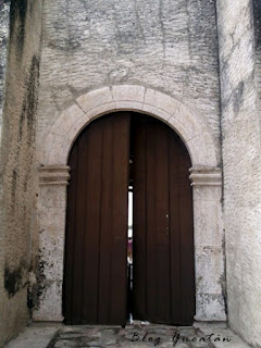 Puerta Lateral Iglesia Sitpach