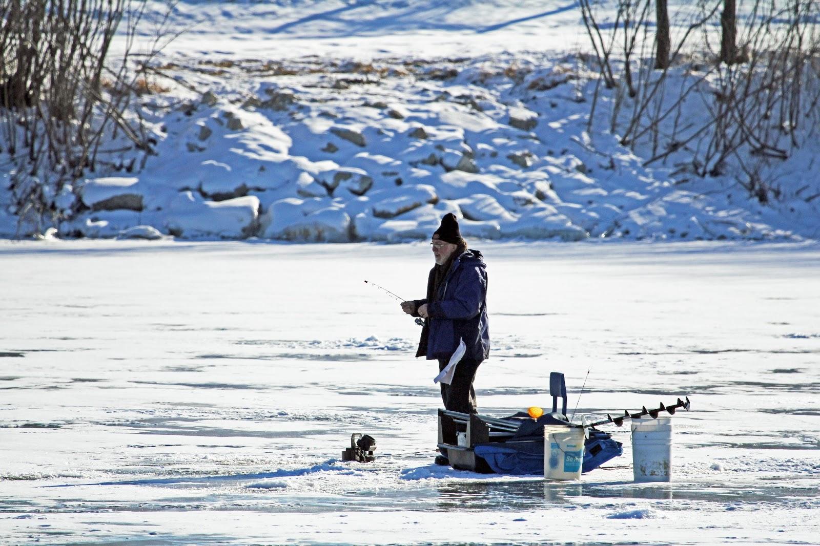 Funke photos ice fishing in iowa for Ice fishing iowa