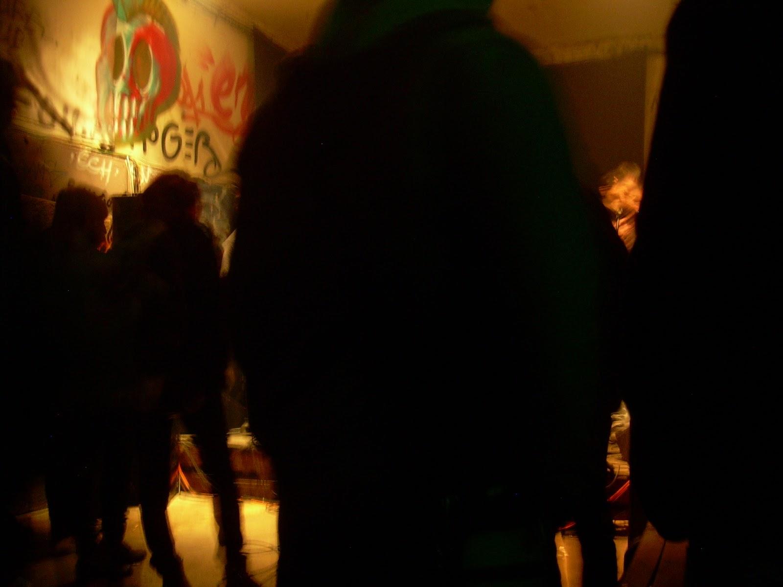 paname dans l 39 ame concerts garage surf rock samedi 21 juillet 2012 la miroiterie. Black Bedroom Furniture Sets. Home Design Ideas