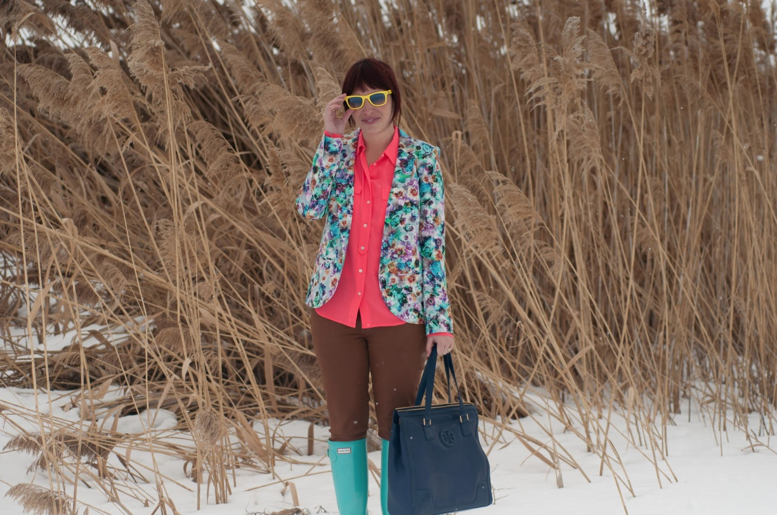 fashion blog, fashion blogger, mens fashion, mens style blog, layering, blazer, floral, floral blazer, blue, pink, teal, hot pink, floral print, floral clothing, nordstrom, jcrew, jcrew blouse, silk blouse, blouse, waxed jeans, waxed pants, citizens of humanity, hunter, hunter boots, rain boots, rain boot, teal hunter boot, blue hunter boots, glossy boots, boot, glossy hunter boot, tory burch, leather purse, navy purse, leather purse, navy leather, ray ban, ray bans, wayfer, wayfer ray ban, earrings, bow earrings, gold earrings, womens style, fashion, style, fashion blogger, womens fashion blogger, neon yellow, snow, reeds, personal style, outfit post, style post, utah, utah fashion blogger, the great outdoors, snow