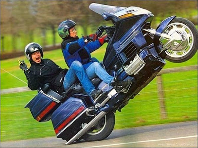 funny_picture_bike_jump