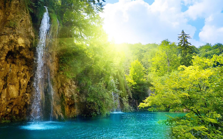 http://2.bp.blogspot.com/-r2fY2YUG0y8/T8yQb-WUq8I/AAAAAAAABjE/8Y-_hiO_AHw/s1600/amazing-waterfall-wallpaper-1440x900-0372.jpg