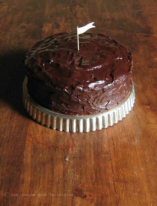 cinnamon-caramel ganache layer cake |une gamine dans la cuisine