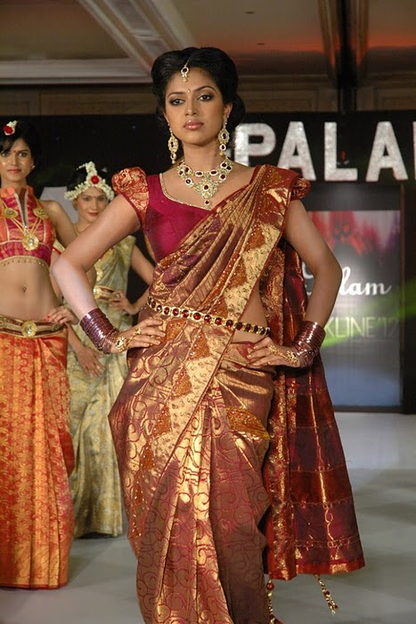 , Hot Amala Paul In Saree- Ramp Walk
