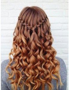 para cualquier evento, los peinados con trenzas siempre serán un elemento de belleza imprescindible en el cabello, que te harán ver fresca y joven.
