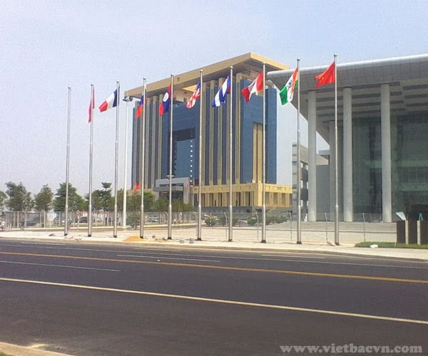 Trụ lan can kính Việt Bắc trong công trình trung tâm hành chính TP mới BD