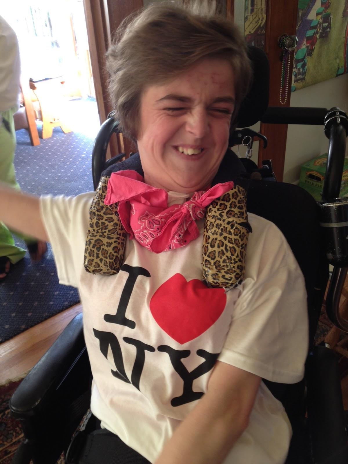 http://2.bp.blogspot.com/-r3K41dqiED4/UA1-tJEsB9I/AAAAAAAAB8Q/8HG8fEC_cEQ/s1600/Maggie+loves+NY.JPG
