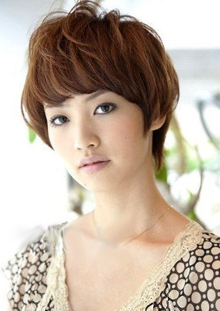 Traditional Japanese Hairstyles For Short Hair : Japanese Short haircuts for Women, At first, part the hair ear to ear ...