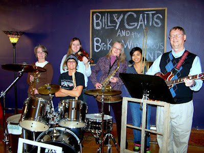 Split Hoof Tonight's Billy Gaits & the Broken Windows Band admit they're actually a lip-sync band!