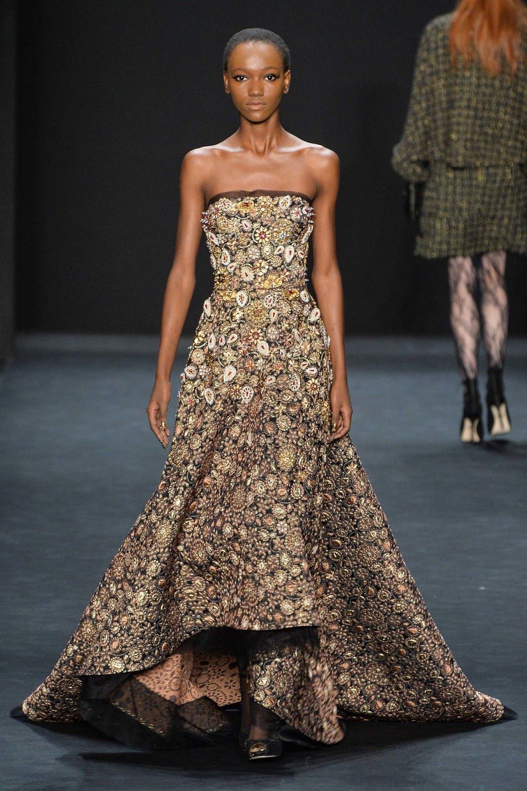 Brocade trend on AW 2015 runway at Badgely Mischka / via www.fashionedbylove.co.uk