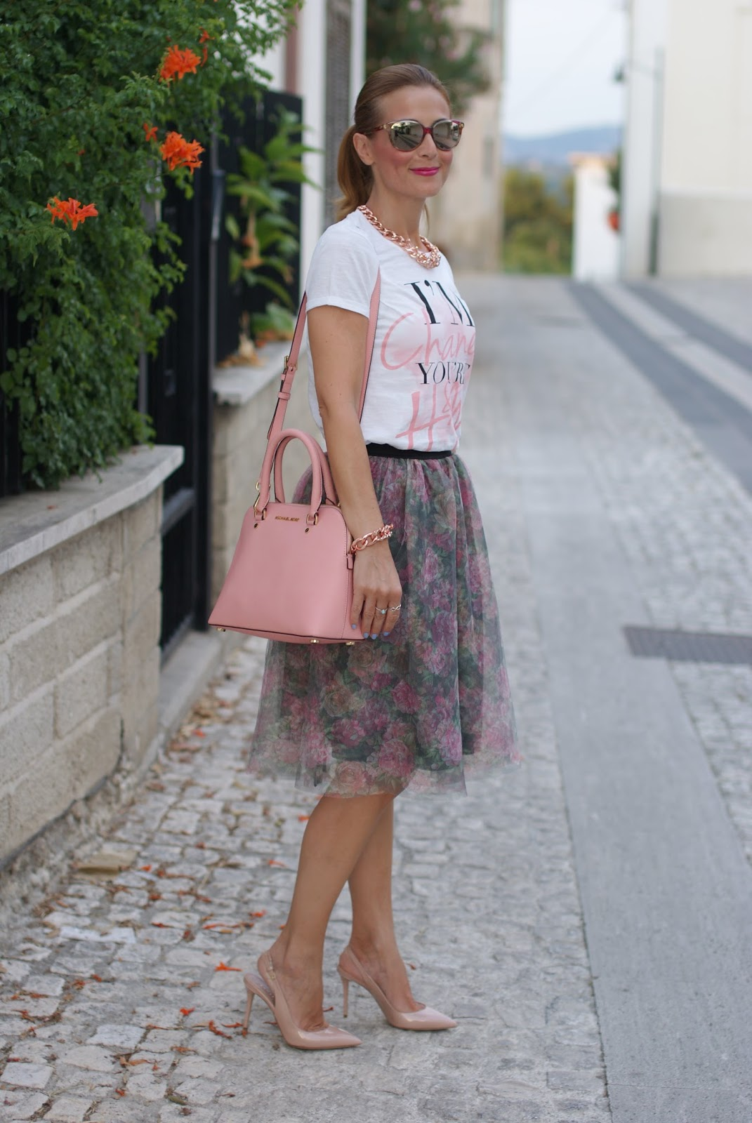 Walktrendy floral tulle skirt on Fashion and Cookies fashion blog