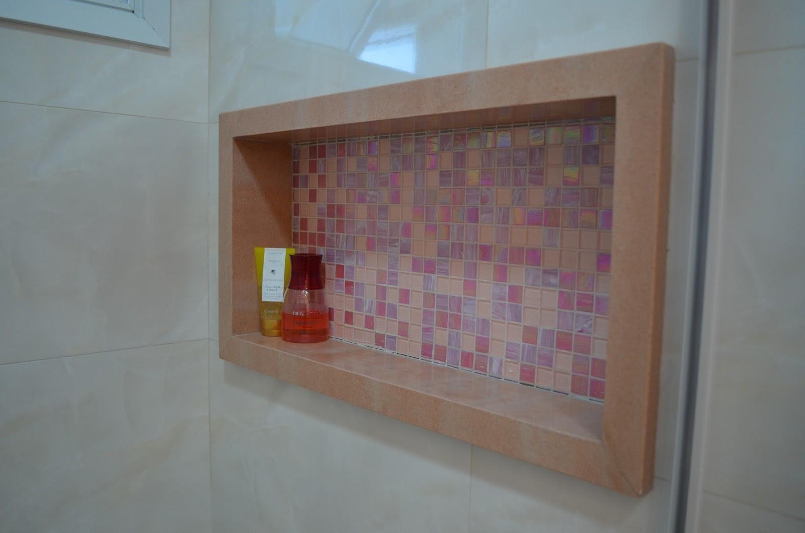 Nicho embutido para área do box #027FC9 1600x1059 Banheiro Com Nicho Embutido