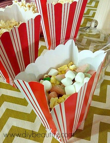 Popcorn + Candy =  YUM! www.diybeautify.com