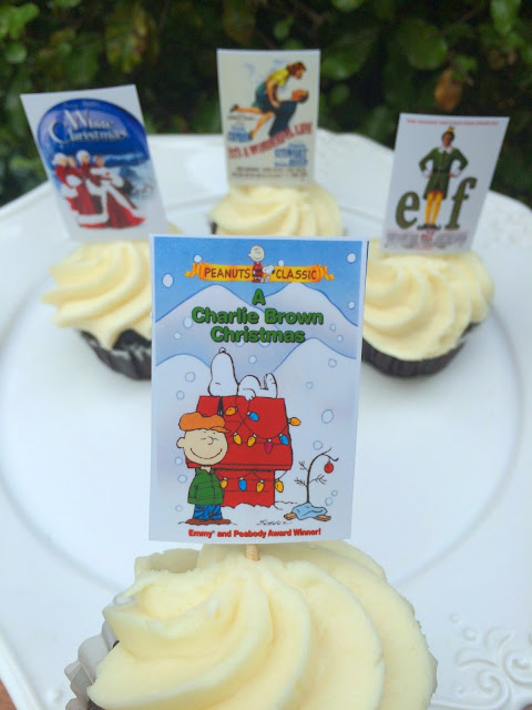 Family Christmas Movie Night - A Charlie Brown Christmas Cupcakes | www.jacolynmurphy.com