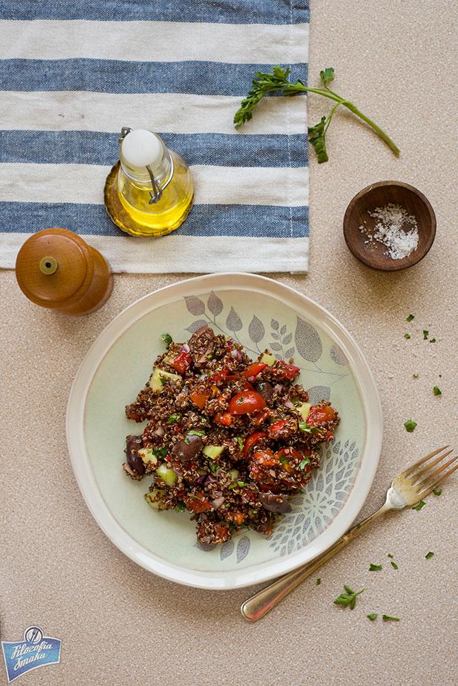 Sałatka z quinoa i papryki