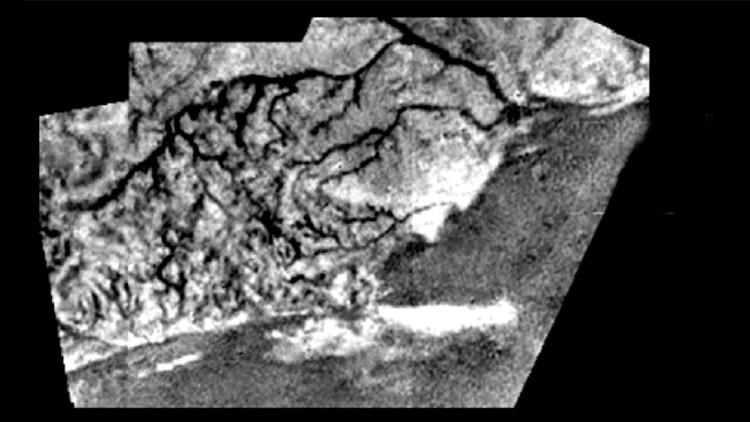 Microrganismos longevos en luna de Saturno.