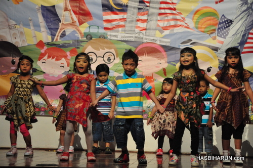 Smart Reader Kids Annual Concert and Convocation 2012 by biozone food purifier agent