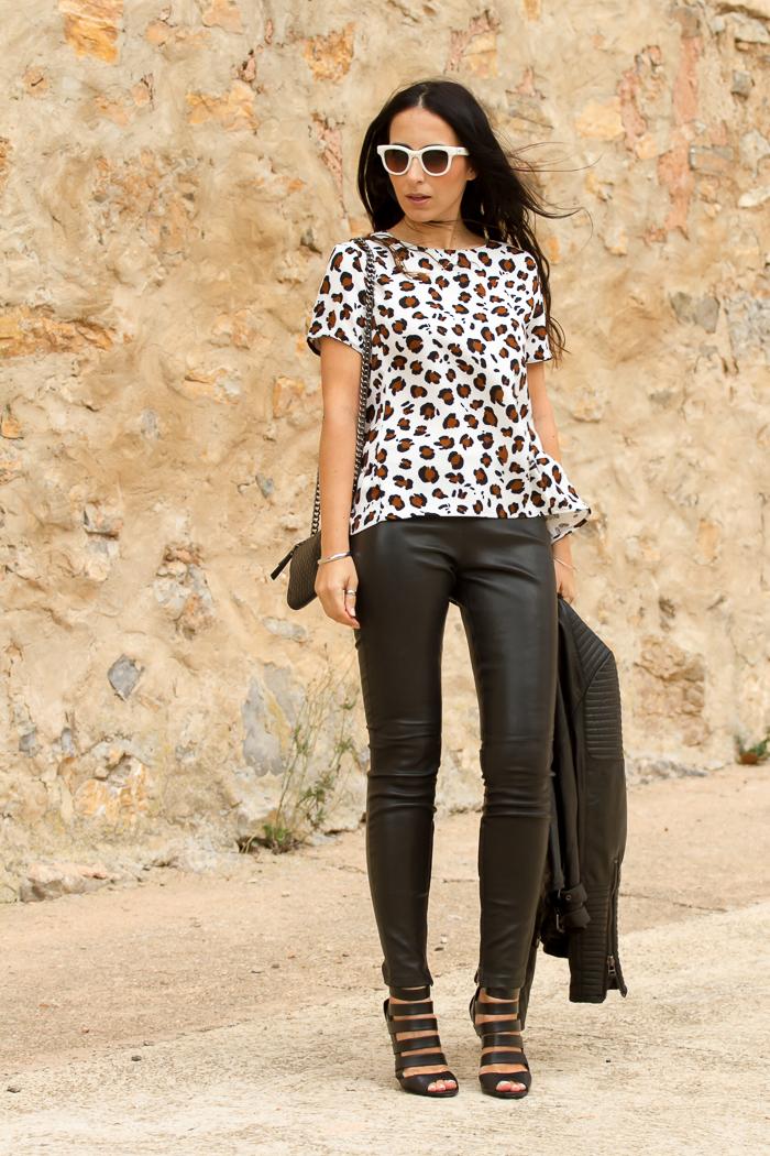 Outfit blusa estampado leopardo de nueva coleccion de Zara