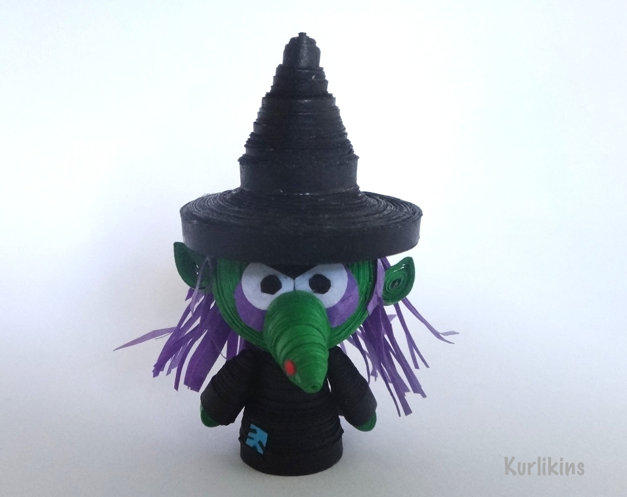 3D paper quilling miniature witch