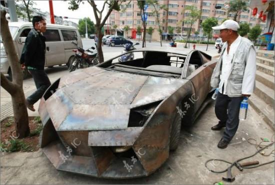 http://2.bp.blogspot.com/-r50Aq_izBVc/TdI1YhtID-I/AAAAAAAAIas/E9HKkE9nxz4/s1600/Lamborghini-Reventon5-550x369.jpg