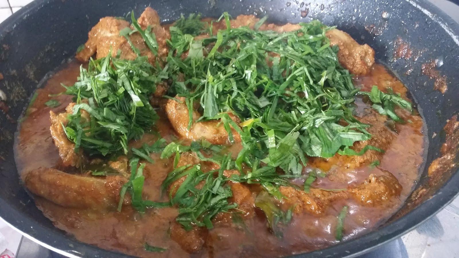 Rendang Tok (Ayam) - RM65