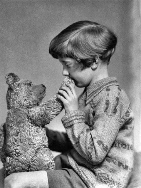 Настоящий Винни-Пух и Кристофер Робин, приблизительно 1927 г.
