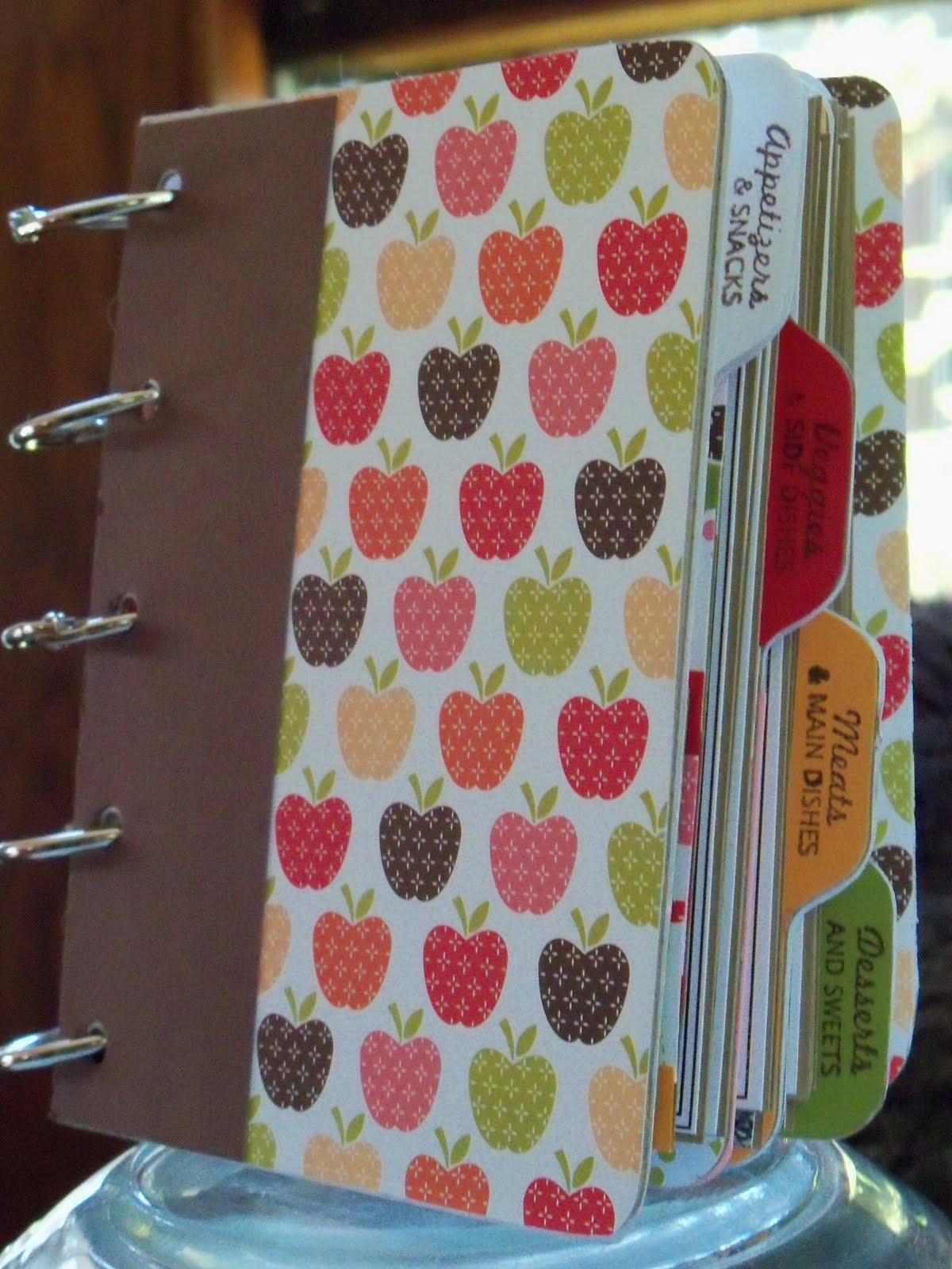 How to make scrapbook book