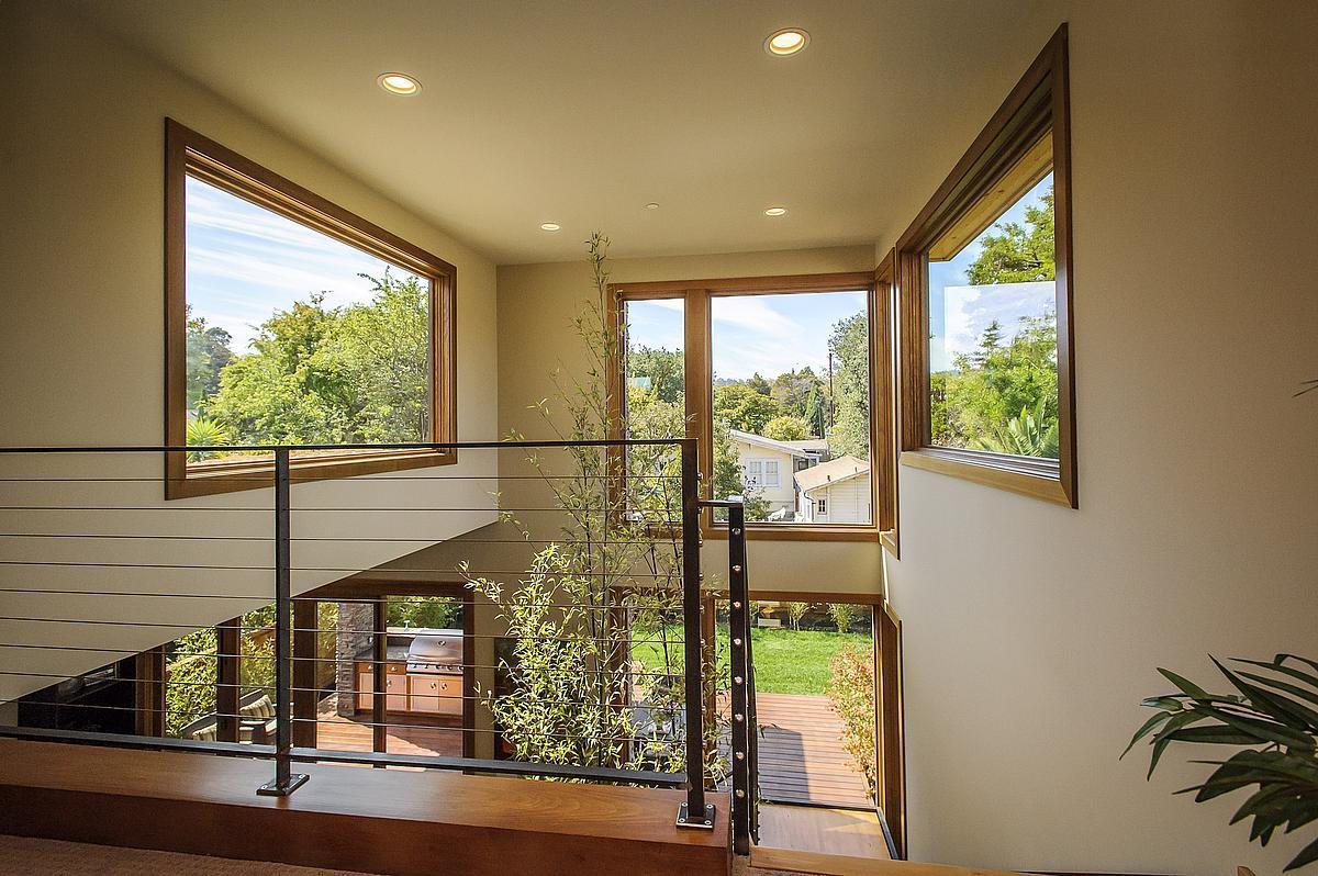 Modern prefab home by tobylongdesign modern prefab modular homes prefabium for Contemporary interior home design