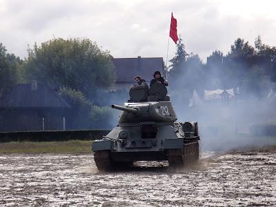 Pola Chwały, Niepołomice 2015, czołg, inscenizacja historyczna